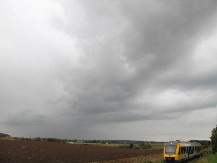 Byger fra Sydvest - nogle med torden