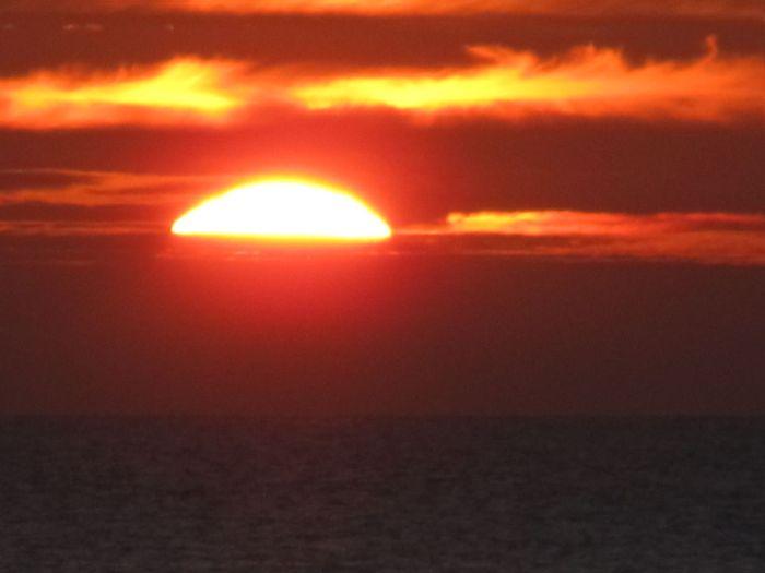 Solen går ned i en sæk, en front er på vej